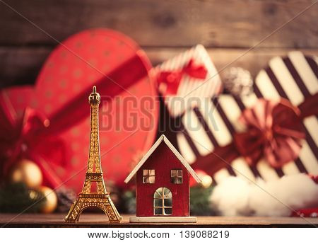 Eiffel Tower And House Shaped Toys