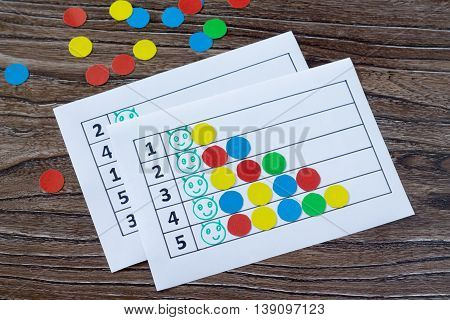 Print Version. A Collection Of Flash Cards For The Numbers With Colored Circles - Put A Caterpillar.