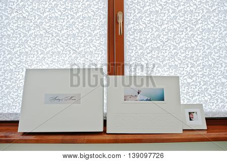 White Luxury Leather Wedding Book And Album With Flash Or Cd Box