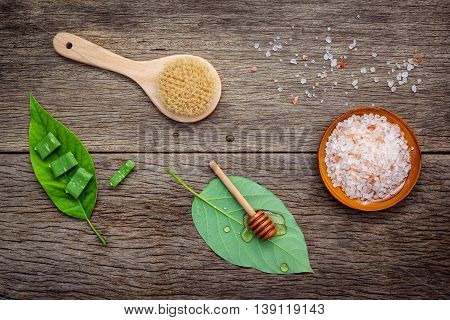 Alternative Skin Care And Homemade Scrubs With Natural Ingredients Himalayan Pink Salt ,honey And Al