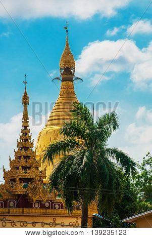Shwedagon Paya Pagoda. Yangon, Myanmar