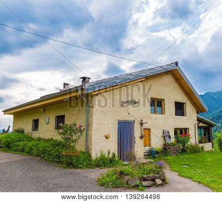 B&b Las Trinquades With View Of The Pyrenees In France