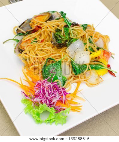Spicy spaghetti Stir fried with New Zealand mussels