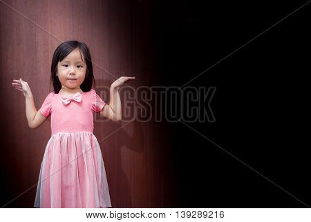 Portrait Of Asian Happy Little Girl , Like A Bird Fly Hand