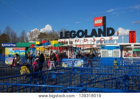 Legoland, Windsor, Uk - April 30, 2016: Guests Leaving Legoland After An Exciting Fun Day Out