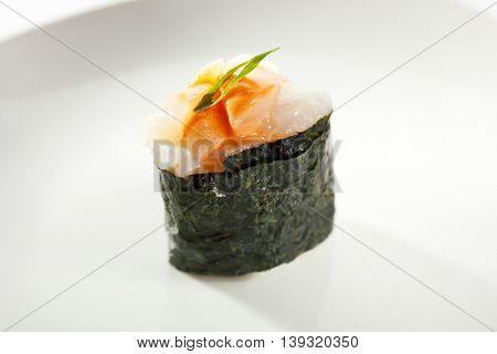Gunkan Sushi Roll with Sea Scallop