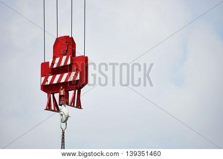 construction crane hook of cargo catching mechanism