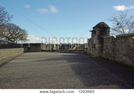 Gun Position On Derry'S Walls