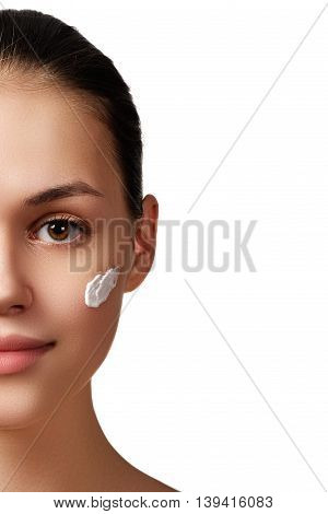 Beauty Portrait. Beautiful Spa Woman. Perfect Fresh Skin