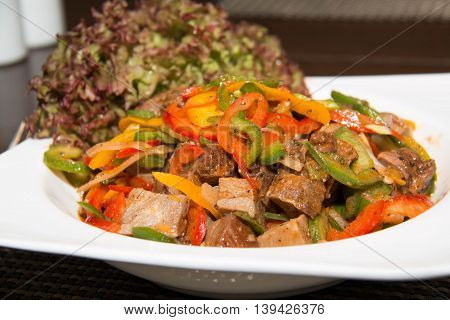 salad roast beef With pepper greens and yellow