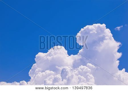 beautiful blue sky with cloud for nature background
