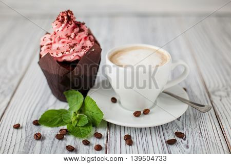 cake cofee mint grains wooden green cup
