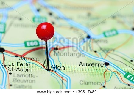 Gien pinned on a map of France