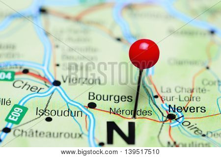 Nerondes pinned on a map of France