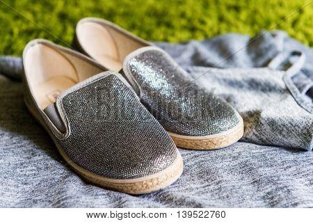 Fashion shiny little girl's grey shoes espadrilles