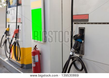 petrol filling station , Business energy .