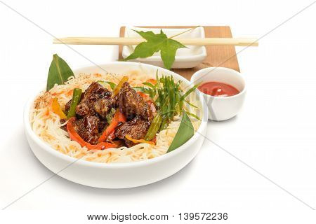 Plate of noodles with meat arranged in Japanese style