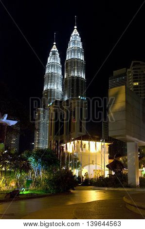 Night View Of The Petronas Twin Towers