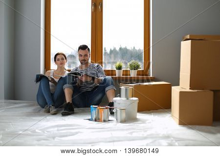 Couple moving in house