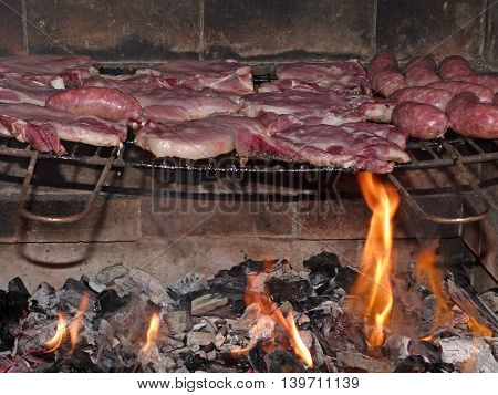 Preparation of a nice barbecue meat on the grill