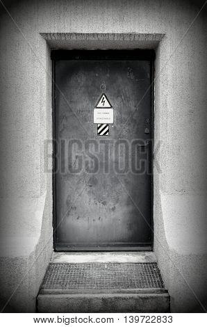 Black and white bunker door - entance