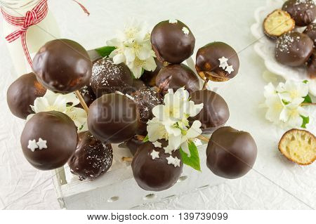 Chocolate Cake Pops In A Wooden Box