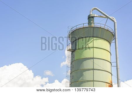 Silo for ground wood. For the production of chipboard.