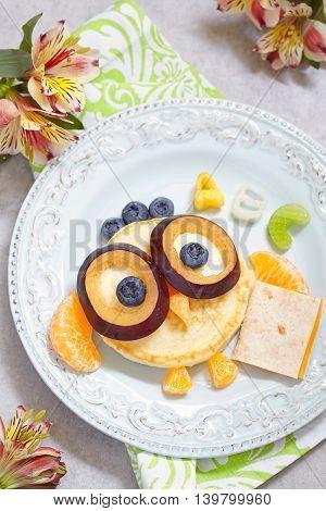 Wise Owl pancakes for kids school breakfast