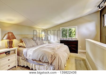 Nice Upstairs Bedroom With King Size Bed And Vaulted Ceiling.