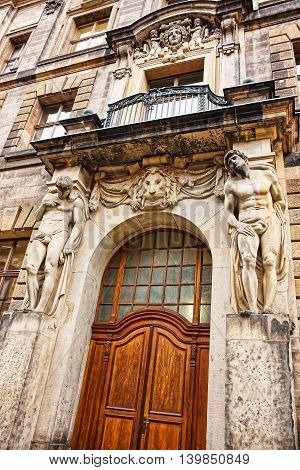 Atlants Holding The Entrance Of The Building In Dresden