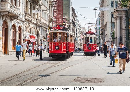 Red Tram Goes On Istiklal To Taksim, Istanul