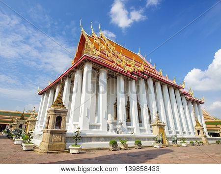 Wat Pho (Wat Phra Chetupon Vimolmangklararm) in Bangkok Thailand.