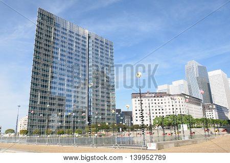 PARIS FRANCE 7 JUNE 2015: La Defense Paris