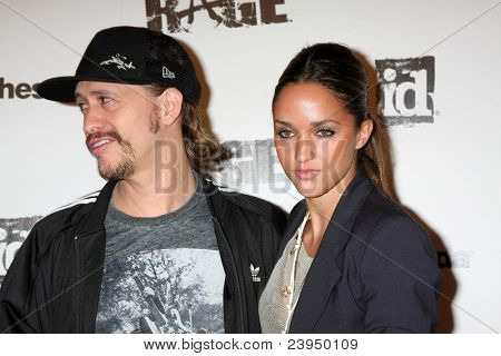LOS ANGELES - SEPT 30:  Clifton Collins Jr. arriving at  the RAGE Game Launch at the Chinatown's Historical Central Plaza on September 30, 2011 in Los Angeles, CA