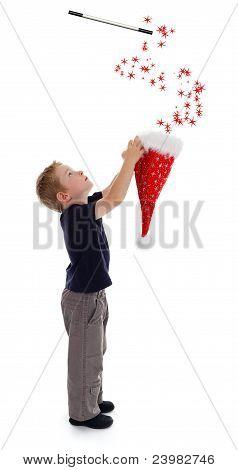 Little Boy Holding assistente Hat