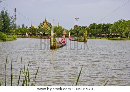 Life Size Models Of Boats