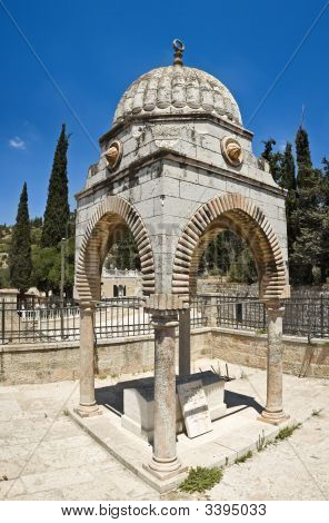 Mudgir A-Din Tomb, Jerusalem