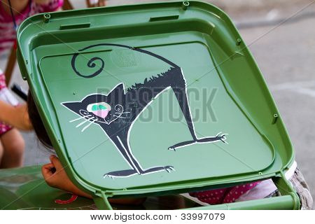 Cat Graffiti on Garbage Bin - Street Delivery