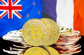 Concept For Investors In Cryptocurrency And Blockchain Technology In The New Zealand And France. Bit poster
