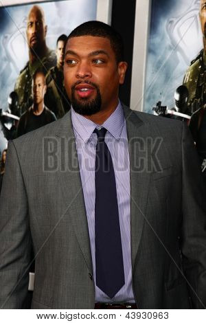 LOS ANGELES - MAR 28:  DeRay Davis arrives at the
