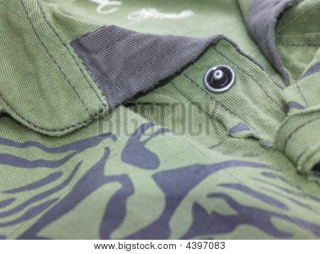 T-shirt with button
