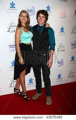 LOS ANGELES - APR 2:  Mackenzie Munro, Tyler Stentiford arrives at