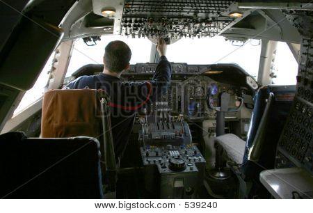 Pilot auf Steuerelemente