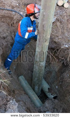 Installing A Power Pole In The Pit
