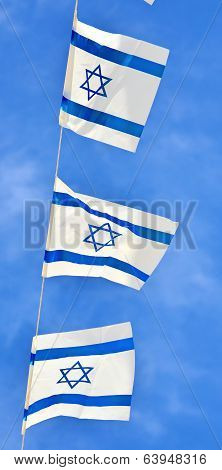 Israel Flag Chain On Independence Day