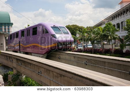 SINGAPORE - NOVEMBER 09, 2012: Sentosa Express is a monorail line connecting Sentosa island and HarbourFront on the Singapore.