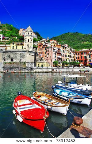 Vernazza - beautiful coastal village in Cinque terre, Italy
