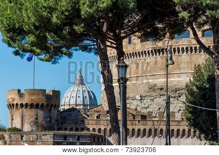 italy, rome, castel sant'angelo (castel sant 'angelo) with st. peter's basilica in hintergrund