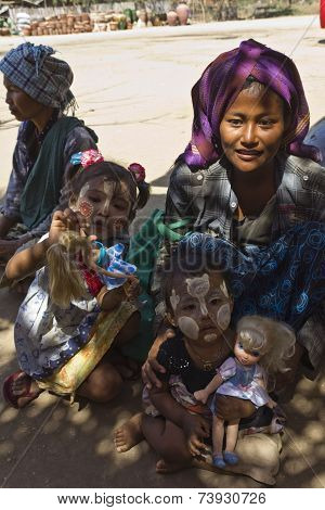 Poverty Through Childs Eye This Images Has Been Taken In A Little Village In Myanmar Burma A Mother