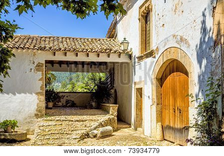 Historical Spanish house and garden at Alfabia